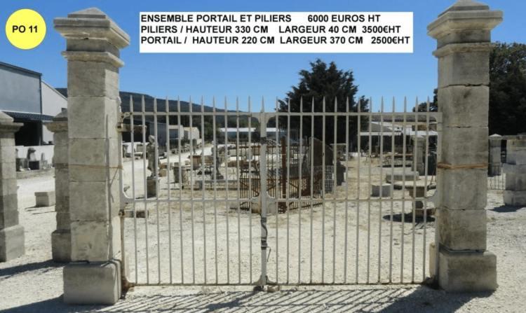 Portail ancien en fer forgé et piliers de portail en pierre vendu ensemble par lemiere matériaux anciens 84