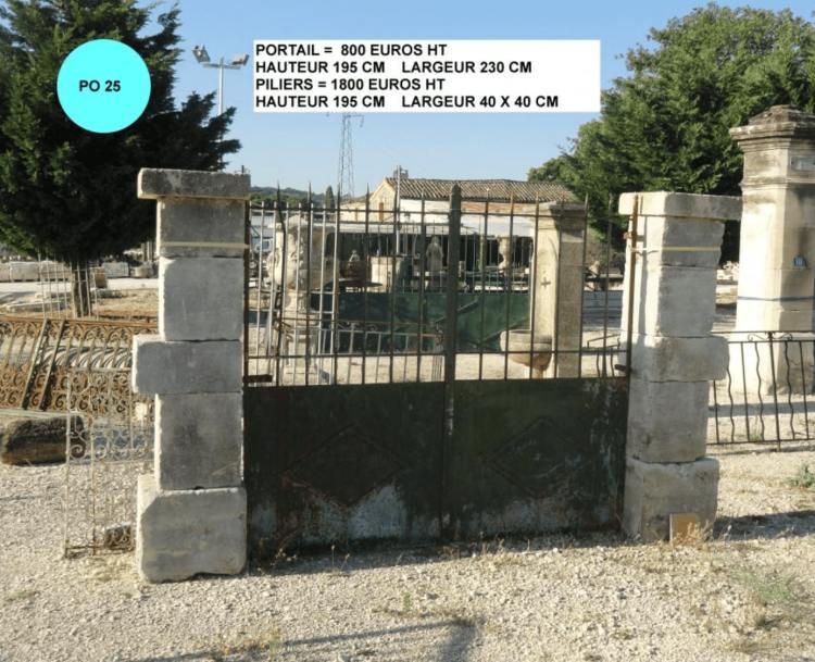 piliers portail en fer à vendre par lemiere matériaux anciens 84 Vaucluse près d'Avignon