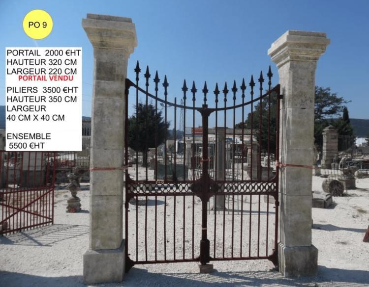 Piliers en pierre pour portail à vendre par LJLM Lemiere matériaux anciens dans le 84 et le 26