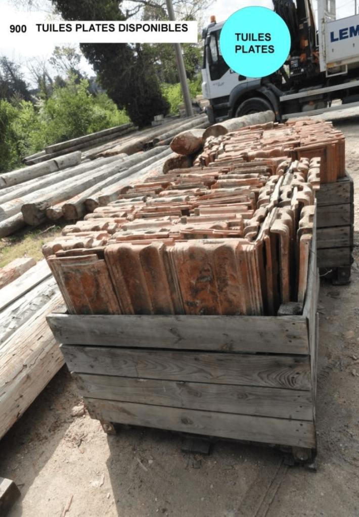 tuiles plates anciennes en terre cuite à vendre par Lemiere Matériaux ancien 84