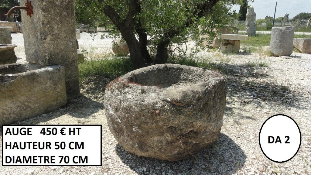 Auge ronde en pierre