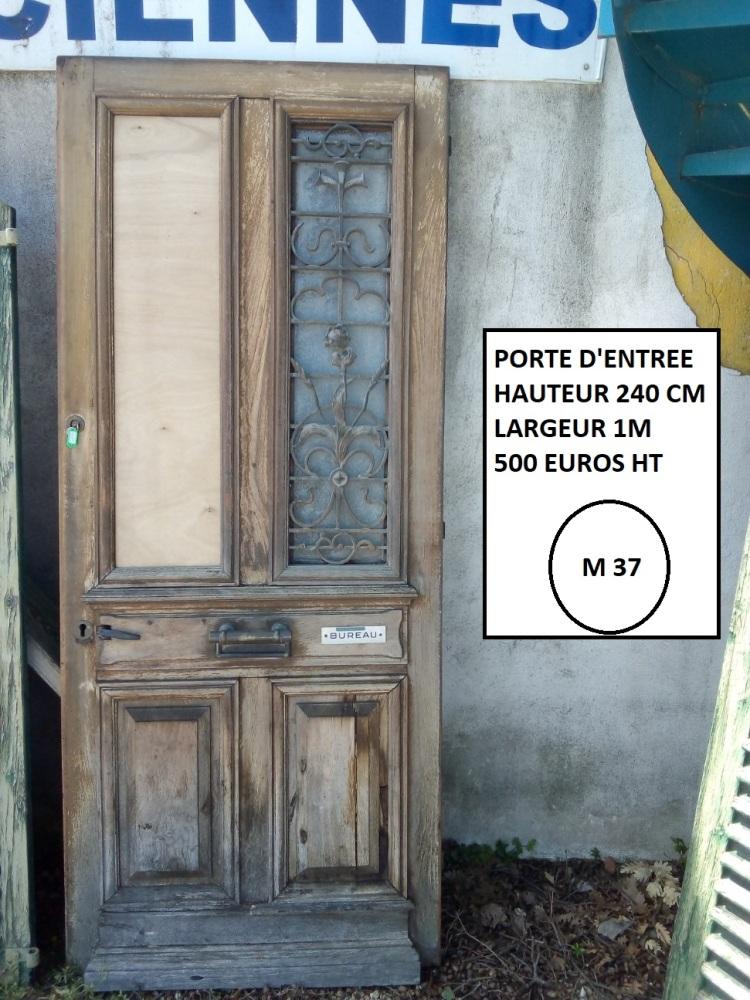 porte d'entrée en bois + décor fer + vitrée